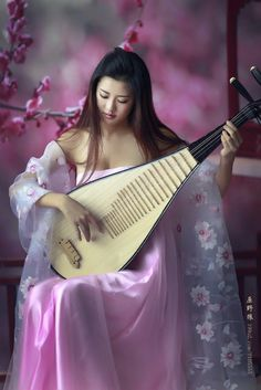 Find images and videos about beautiful, asian and japanese on We Heart It - the app to get lost in what you love. 4k Photography, China Girl, Beautiful Asian Women, Madame, Japanese Girl, Covet Fashion, Traditional Dresses, Asian Woman, Color Splash