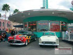 '52 Pontiac Chieftan - '56 Ford Thunderbird at Universal Studios Florida