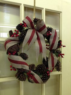 Christmas Wreaths, Christmas Decorations, Holiday Decor, Wreath Burlap, Poinsettia, Gifts, Home Decor, Favors, Holiday Burlap Wreath