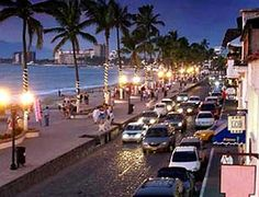 Puerto Vallarta - Love strolling down the malecón at night!
