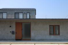 鵜沼のいえ | Works | 岐阜の設計事務所 ピュウデザイン|住宅設計、店舗設計、新築、リノベーション、家具デザイン Japanese House, Store Fronts, Minimalist Home, Home Renovation, Tiny House, Sweet Home, Exterior, House Design, Architecture