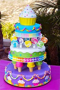 Candy Land Birthday Made this for my daughters Candy Land themed birthday. From the Wilton 2012 year book Candy Land Birthday Cake on We Heart It Do you have a huge sweet tooth? If so, you should consider throwing a Candyland themed quince! When is a cake Sweet Cakes, Cute Cakes, Candy Cakes, Cupcake Cakes, Fondant Cakes Kids, Wilton Cakes, Fondant Toppers, Food Cakes, Cupcake Toppers