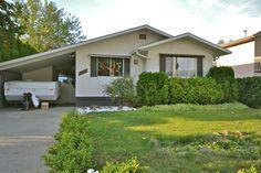 1074 Raymer Ave, Kelowna, BC - Beautifully Updated Home!