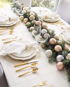 34 Lovely Winter Table Centerpieces Ideas Best For Wedding Party - There is always something magical about getting married in the winter, especially around Christmas time. It is the time of year when the family gather. Winter Table Centerpieces, Xmas Table Decorations, Christmas Centerpieces, Decoration Table, Dining Table Decor Centerpiece, Christmas Dining Table, Christmas Table Settings, Christmas Tablescapes, Xmas Dinner