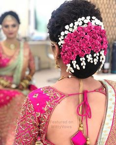 Gorgeous Bridal Bun Hairstyles for Every Length - Kurti Blouse Indian Wedding Mehndi, Bridal Hairstyle Indian Wedding, Bridal Hair Buns, Bridal Hairdo, Hairdo Wedding, Indian Wedding Hairstyles, Wedding Hair Flowers, Bride Hairstyles, Flowers In Hair