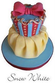 Cake Wrecks - Home - Sunday Sweets: Cake Nouveau Pretty Cakes, Cute Cakes, Beautiful Cakes, Amazing Cakes, Sweets Cake, Cupcake Cakes, Snow White Cake, Cake Wrecks, Disney Cakes