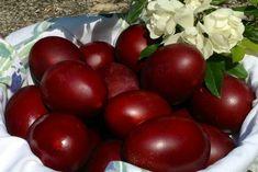 Greek Easter, Easter Crafts, Happy Easter, Easter Eggs, Plum, Apple, Fruit, Vegetables, Recipes