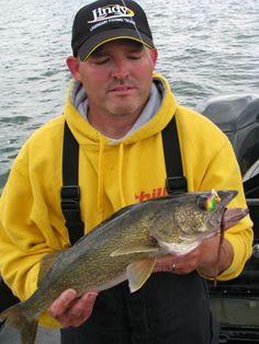 walleye fishing on weed edges Bass Fishing Tips, Fishing Rigs, Walleye Fishing, Fishing Knots, Carp Fishing, Saltwater Fishing, Fishing Tackle, Fishing Stuff, Fishing Pictures