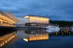 Sibeliustalo on konsertti- ja kongressikeskus Lahdessa Ankkurin kaupunginosassa Vesijärven rannalla. Se on rakennettu vuonna 2000. Sibeliustalo on nimetty säveltäjä Jean Sibeliuksen mukaan. Talossa on käytetty puuarkkitehtuuria, joka yhdistyy vanhaan lahtelaiseen teollisuushistoriaan.