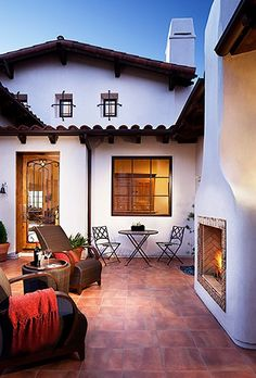 hilltop hacienda >> Love the courtyard feel and the amazing outdoor fireplace!>>just need a glass of wine Courtyard Design, Patio Design, House Design, Courtyard Ideas, Patio Ideas, Spanish Style Homes, Spanish House, Spanish Colonial, Spanish Modern