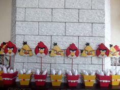 Centro de Mesa Angry Birds  em feltro com vaso em MDF . Pedido mínimo 10 unidades R$ 12,00