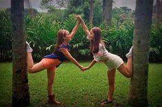 Desafio: Você consegue diferenciar Lari Manoela e Mharessa nestas fotos?