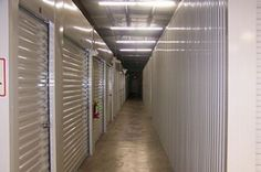 Self Storage Units - A definite consideration for a prep cache. Zombie Survival Guide, Camping Survival, Survival Prepping, Survival Skills, Noah Building The Ark, Self Storage Units, Emergency Preparedness Kit, 72 Hour Kits, Cl Shoes