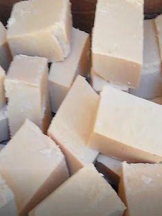 Esse foi meu sabão caseiro feito com muito amor, Receita com, soda, óleo usado, açúcar,  bicarbonato e amaciante, Ficou um SUPER SABÃO, maravilhoso, branqueia muito bem as roupas sujas, e tira muito bem o óleo das vasilhas...#sabaocaseiro, #sabaoembarra, #sabaodesoda.