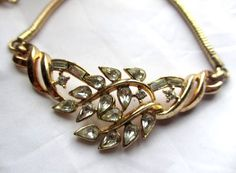 Use brooch to create necklace