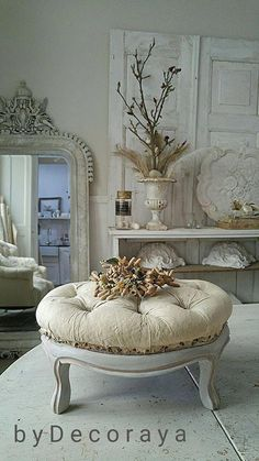 Perfect French Shabby Chic Interior Design – Shabby Chic Home Interiors Shabby Chic Interiors, Shabby Chic Homes, Shabby Chic Furniture, Shabby Chic Decor, Shabby Chic Ottoman, Rustic Decor, French Country Bedrooms, French Country Decorating, Country French