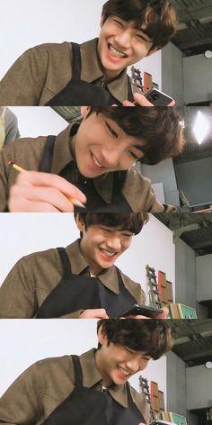 Foto Bts, Bts Photo, Kim Taehyung, Bts Jungkook, V Smile, V Bts Wallpaper, V Cute, Bts Aesthetic Pictures, Bts Lockscreen