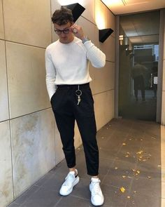 99 Fabulous Winter Outfits Ideas To Stand Out From The Crowd Source by hombre Stylish Mens Outfits, Casual Outfits, Fashion Outfits, Winter Outfits, Grunge Outfits, Mode Streetwear, Streetwear Fashion, Look Man, Boho Stil