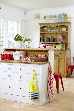 cottage kitchen..