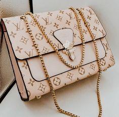 Luxury Purses, Luxury Bags, Luxury Handbags, Fashion Handbags, Fashion Bags, Fashion Accessories, Lv Handbags, Runway Fashion, Icon Fashion