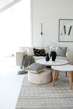 Other Scandinavian living room design ideas might include the balance between an inside and outdoor spaces. Let us show you some Scandinavian living room design ideas for you to get the gist of it and, who knows, find your new living room décor. Home Living Room, Living Room Designs, Living Room Decor, Living Spaces, Beige Sofa Living Room, Black White And Grey Living Room, Living Room Inspiration, Home Decor Inspiration, Decor Ideas