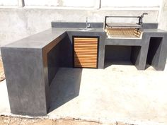 If you have the space in your yard, check out the outdoor kitchen ideas total with bars, seating areas, storage space, as well as grills. #kitchenideas #spanishkitchen #uskitchen #kitchendesign #outdoorkitchenideas #outdoorliving #bbq