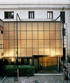 La Maison de Verre by Pierre Chareau, Bernard Bijvoet and Louis Dalbet, on rue Sainte-Guillaume in Paris, built between 1928 and '32, is incomparable in its modernity.