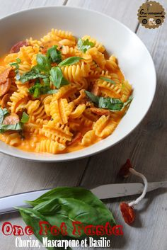 Goulucieusement: One Pot Pasta Chorizo, Mascarpone et Basilic.