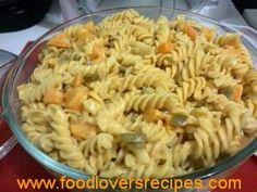 kerrieperske noedelslaai Curry Pasta Salad, Noodle Salad, Braai Recipes, Cooking Recipes, South African Recipes, Ethnic Recipes, Pineapple Dessert Recipes, Diy Food, Food Ideas