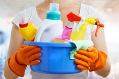When it comes to healthy eating, paying attention to what you're cleaning with is just as important as paying attention to what food you're eating. Common household cleaners contain