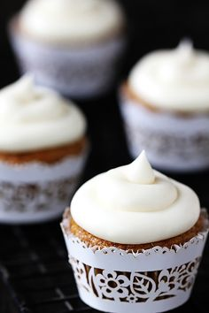 Gimme Some Oven | Spiced Butternut Squash Cupcakes w/ Maple Cream Cheese Frosting | http://www.gimmesomeoven.com