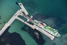 CalMac ferry docking Tiree