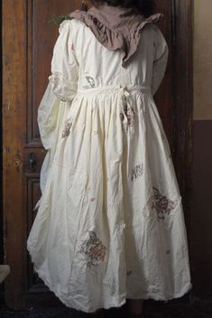 Embroidered linen dress - I wonder, is the drawstring at the skirt back section only?