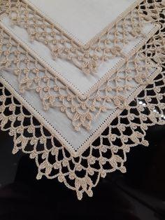 Crochet Border Patterns, Crochet Boarders, Crochet Coaster Pattern, Lace Knitting Patterns, Crochet Lace Edging, Crochet Circles, Crochet Diagram, Love Crochet, Filet Crochet
