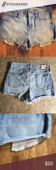 Lamb and Flag Denim shorts Light washed Denim shorts great mid rise with cute crochet style pockets Lamb & Flag Shorts Jean Shorts