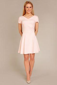 Różowa bawełniana sukienka z odkrytymi plecami