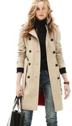 O trench coat com certeza é uma das peças mais coringas do guarda-roupa de qualquer mulher (e homem também). Ele combina com tudo, desde ...