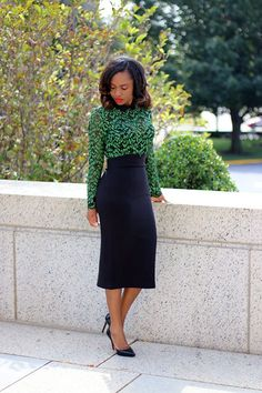 Green Lace Curvy Girl Fashion, Petite Fashion, Business Professional Outfits, Young Professional, Business Attire, Business Casual, Pencil Skirt Outfits, Pencil Dresses, Conservative Outfits