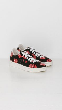 1f65923d619107 Play Comme des Garçons Play Converse Pro Leather Low in Black and Red Heart