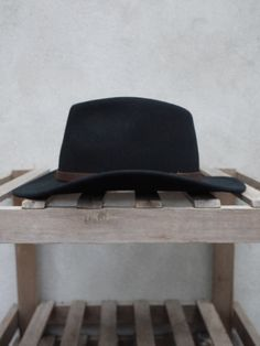 Men's clothing, shoes, hats & accessories – Tails Place of Origin at Tails, authentic clothing brands for discerning men. Vintage Men, Retro Vintage, Retro Clothing, Retro Outfits, Menswear, My Style, Hats, Clothes, Black