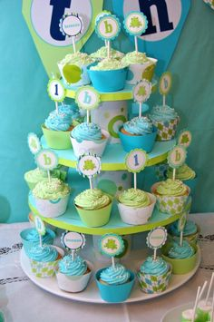 blue and green cupcakes for baby shower Prince Birthday Party, Baby First Birthday, Birthday Parties, Birthday Ideas, Prince Party, Birthday Diy, Cupcake Toppers, Cupcake Cakes, Diy Cupcake