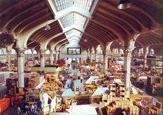 Mercado Municipal, ou Mercadão, é um importante ponto turístico da cidade. Seja pelo bolinho de bacalhau, sanduíche de mortadela ou pela variedade de produtos que ela oferece, vale sempre a visita.
