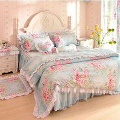 Love this comforter.