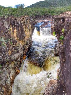 Guia completo da Chapada dos Veadeiros! Veja esse roteiro de 4 dias, dicas do que fazer, onde ficar, onde comer, melhores trilhas e cachoeiras e muito mais.