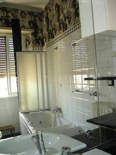bathroom with jacuzzi girasolereale rome centre holiday apartment