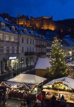 Christmas Market in the old university town of Heidelberg, below the Castle, Germany Christmas Markets Germany, German Christmas Markets, Christmas Markets Europe, Christmas Time, Beautiful Places To Visit, Places To See, Places Around The World, Around The Worlds, Largest Countries