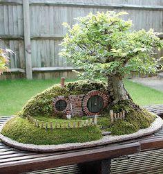 O Jardim Dos Sentidos: Casa de Hobbit Bonsai