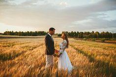 Rustic Wedding Style! Con Bodas de Cuento. Foto de Sara Lázaro. Rural, Vintage, Wedding, Nature, Moto, Boda. Fotografo de bodas, trigo