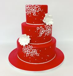 For the bold bride. #red #carlosbakery