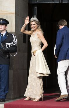 23 May 2017 - Dutch Royal Family hold a gala dinner for Corps Diplomatique - dress by Natan, sandals by Gianvito Rossi